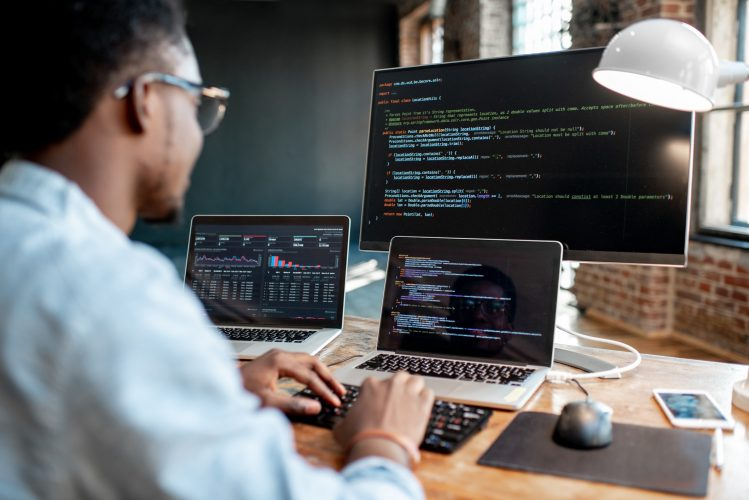 Top-5-programming-languages-every-programmer-should-know-in-2019